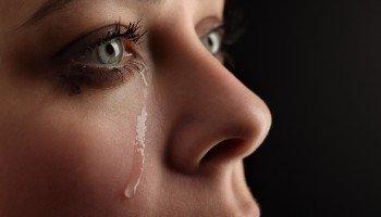 beauty girl cry